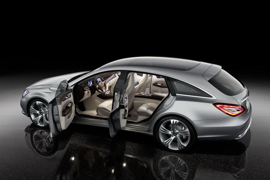 фото нового автомобиля Mercedes CLS Shooting Brake