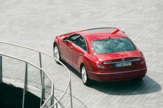 фото нового автомобиля Mercedes CLS