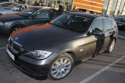 фото нового автомобиля BMW 330 xd Touring