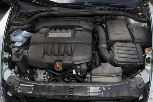 Крышка на двигатель шкода октавия а5