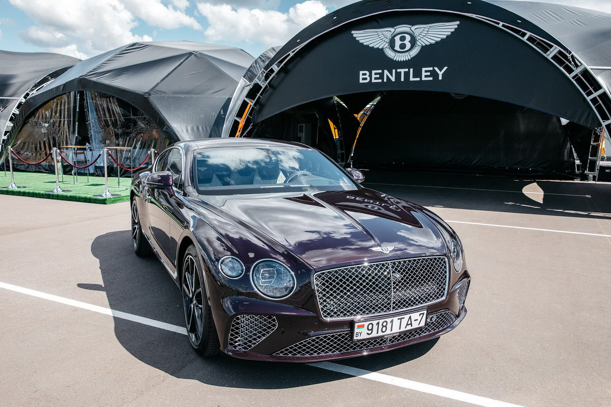 тест-драйв Bentley Continental GT V8 2020 фото